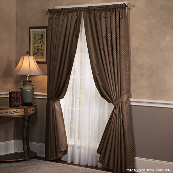 Brown-curtains-and-lamp-in-living-room (600x600, 191Kb)