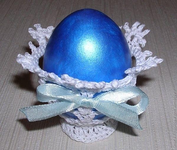 Пасхальное яйцо на вязаной