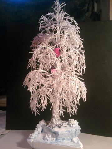 529 просмотра.  Плетение коралловое,микс белого+серебряного бисера,снегири--лепка+бисер.  Альбом (11). вс, 23/12/2012...
