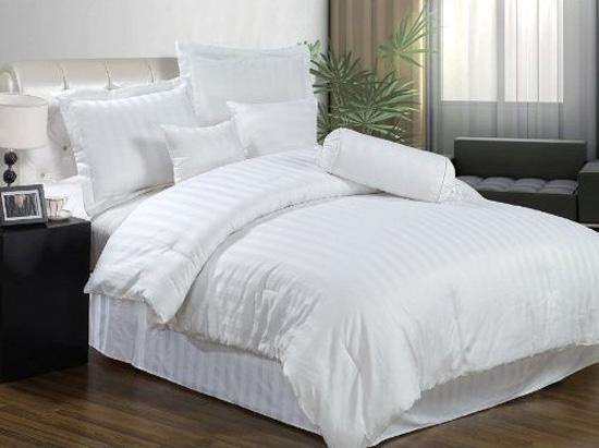 Белые простыни – символ чистой любви и отличного отдыха!