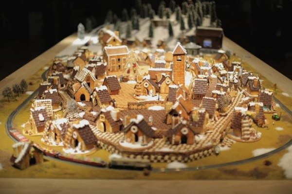 gingerbread city3 (600x399, 58Kb)