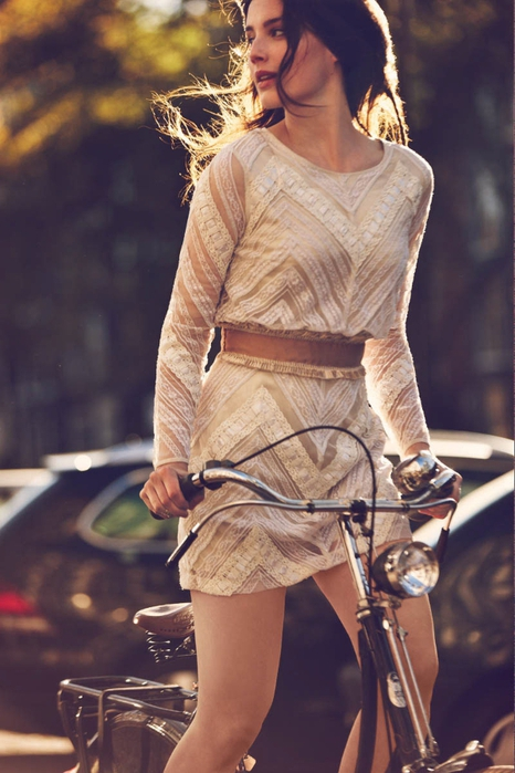 Девушки на велосипедах в каталоге Free People 2013