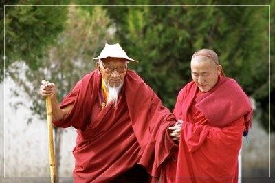 два монаха (400x266, 22Kb)