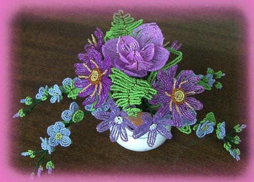 Я сама уже два года плету цветы и деревья из бисера, деревья,цветы из бисера,столько.  Показано, как сделать своими...