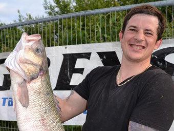 Британский рыболов-жулик (340x255, 29Kb)