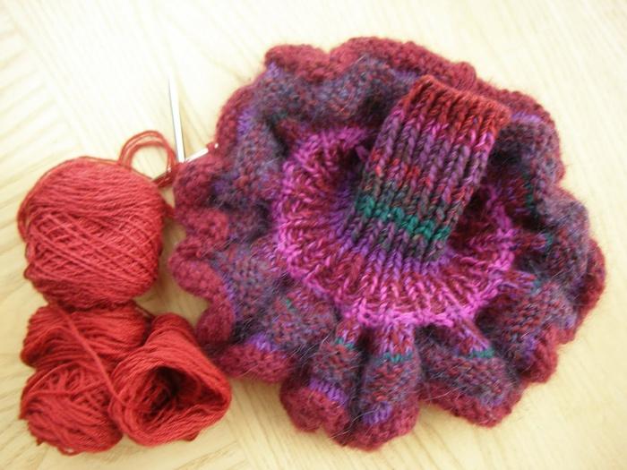 Knitting 9-27-10 001 (700x525, 141Kb)