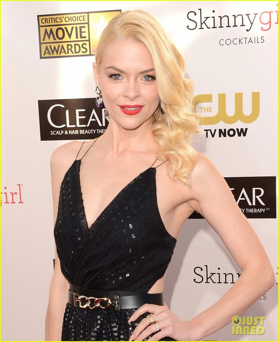 jaime-king-critics-choice-awards-2013-red-carpet-01 (571x700, 87Kb)