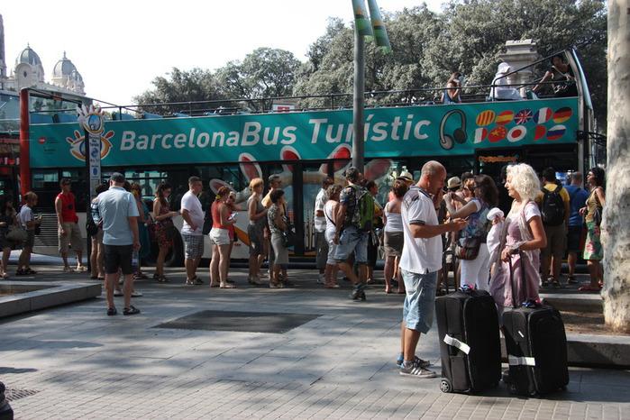 Spain-Barcelona-excursion bus-2012-Изображение 589 (700x466, 139Kb)