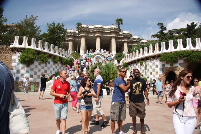 Spain-Barcelona-Park Güell-2012-Изображение 624 (700x466, 269Kb)