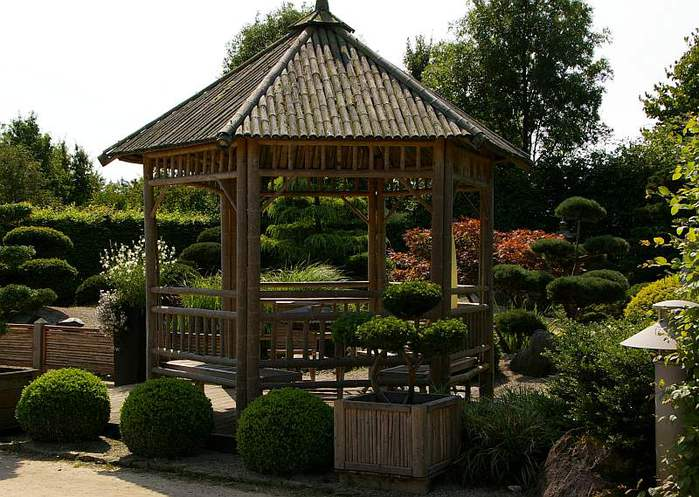 Бад Цвишенан : Park der Garten 96051