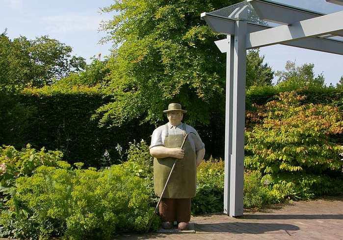 Бад Цвишенан : Park der Garten 65216
