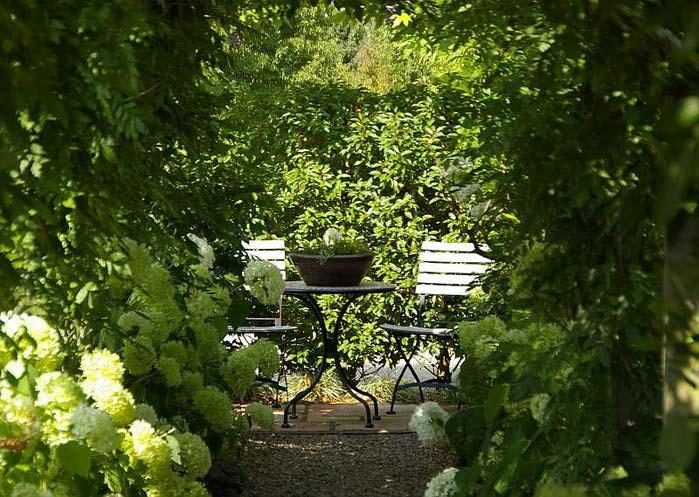 Бад Цвишенан : Park der Garten 72162