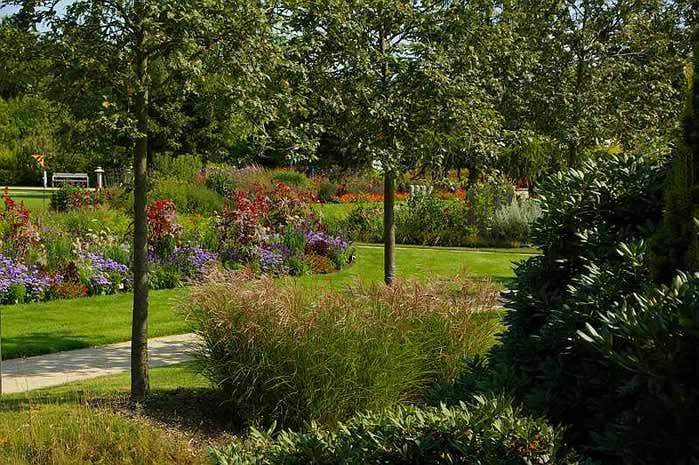 Бад Цвишенан : Park der Garten 84495