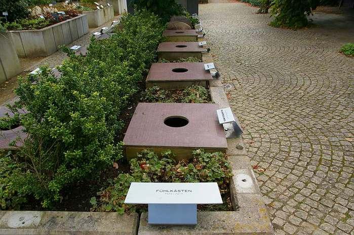 Бад Цвишенан : Park der Garten 12504
