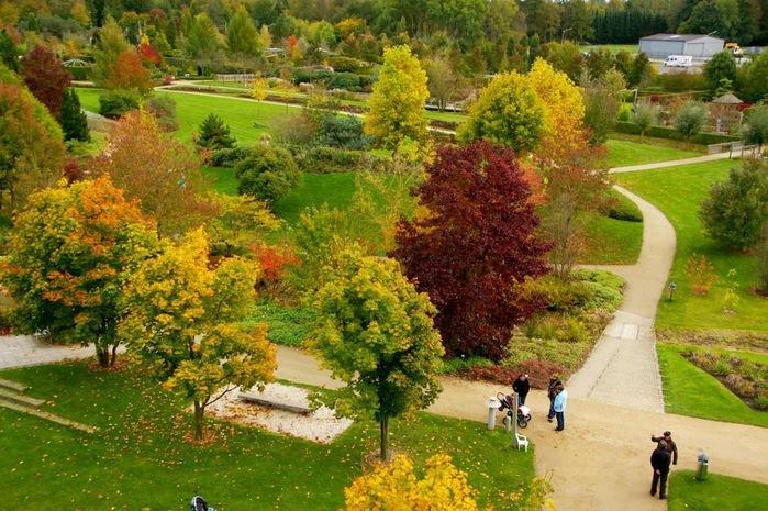 Бад Цвишенан : Park der Garten 51263