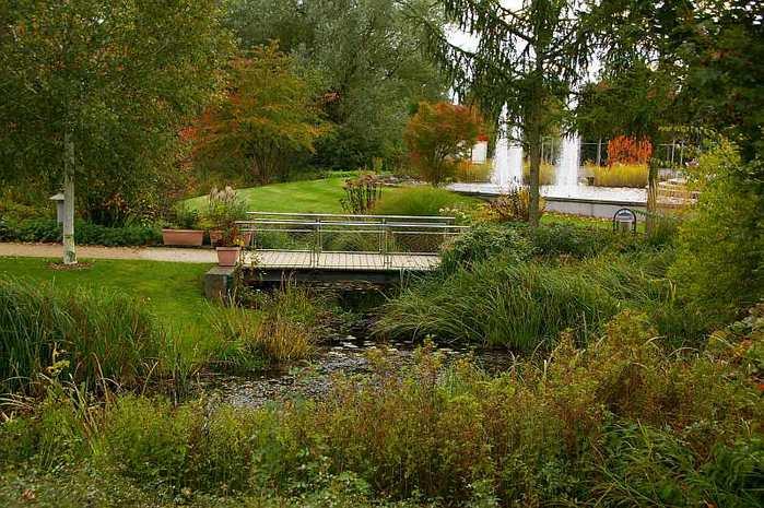 Бад Цвишенан : Park der Garten 26486