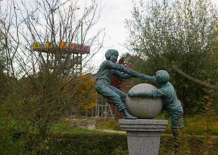 Бад Цвишенан : Park der Garten 96411