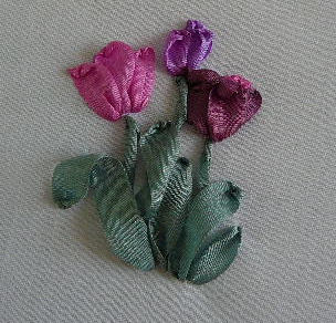 вышивка лентами-мастер классы-цветы (304x292, 30Kb)