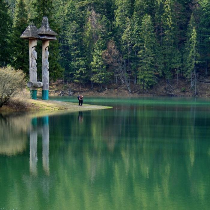 сказочное озеро украинских