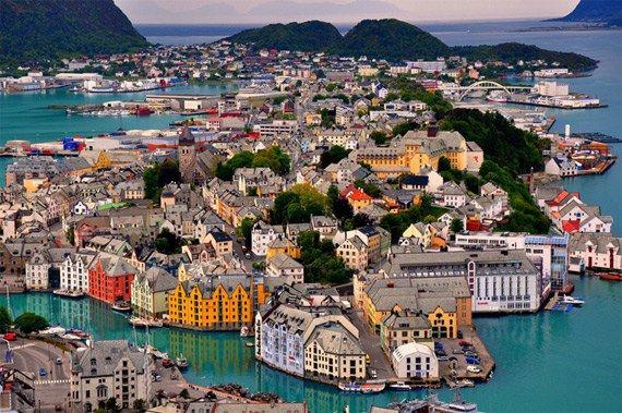 Алесунд, Норвегия (570x379, 86Kb)