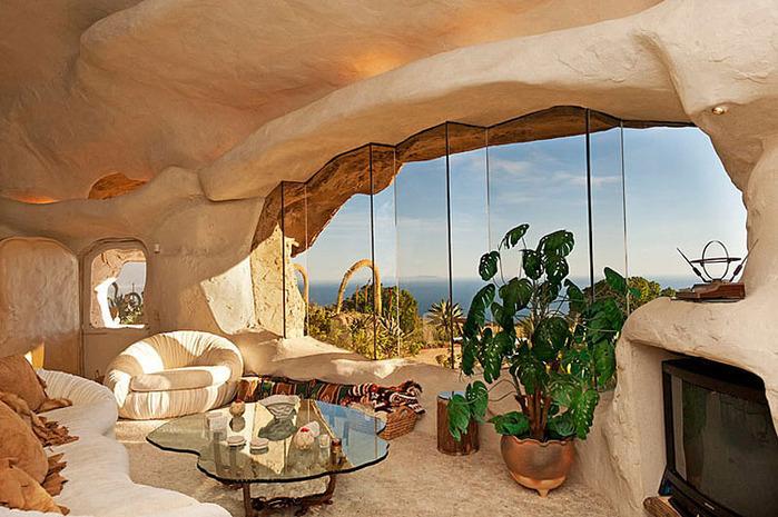 Flintstone-Style-House-in-Malibu9 (700x465, 141Kb)