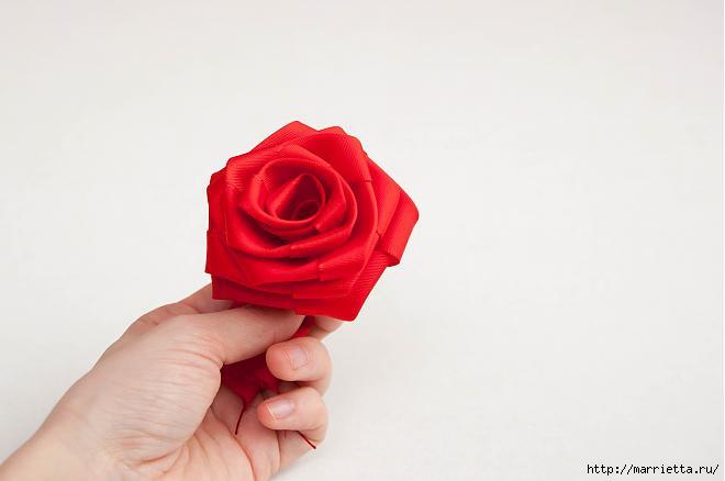 开心果喜欢的玫瑰丝带花制作