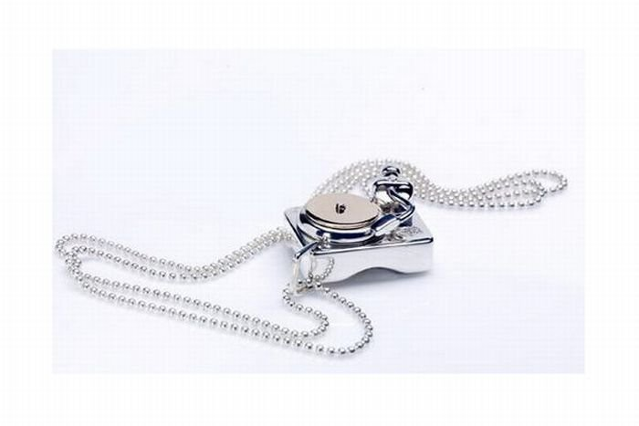 1271881469_music_theme_silver_jewelry_07 (700x467, 27Kb)