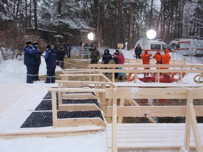 Москва готовится к Крещению  - фото 28