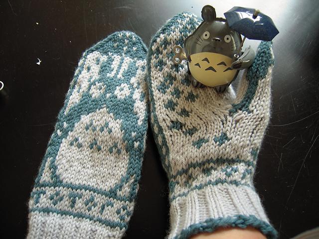 Totoro_Mitts_6_medium2 (640x480, 194Kb)