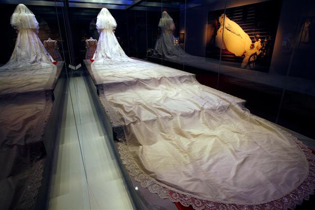 красивые вязаные платья на женщин