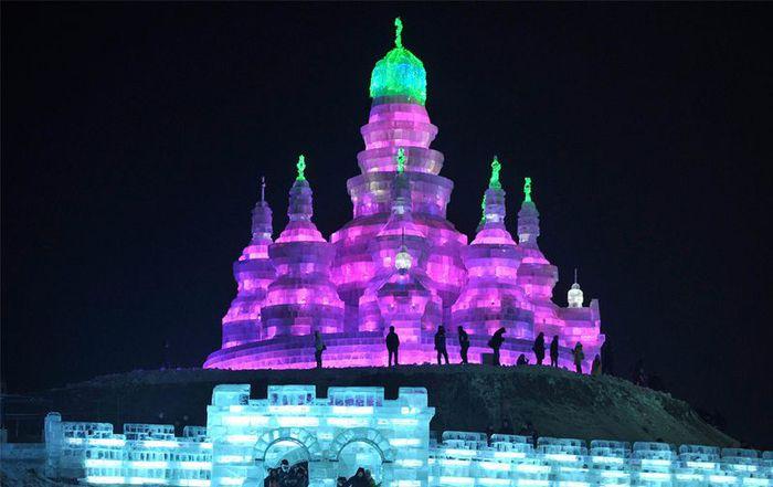 фестиваль ледяных скульптур харбина 9 (700x441, 42Kb)