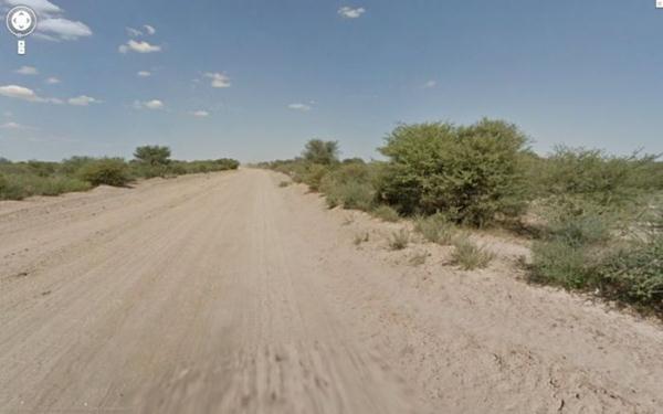 «Несчастный случай» с ослом в Ботсване зафиксировали карты Google. Фотографии