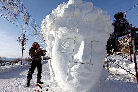 Фестиваль ледяных скульптур «Волшебный лед Сибири» в Красноярске. Фотографии
