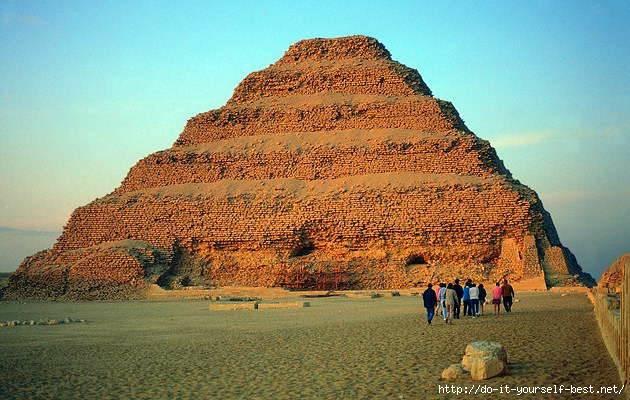 Stupenchataja-piramida-faraona-DZHOSERA (630x400, 169Kb)