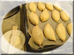 смазываем пирожки молоком/5156954_smazivaem (240x180, 29Kb)