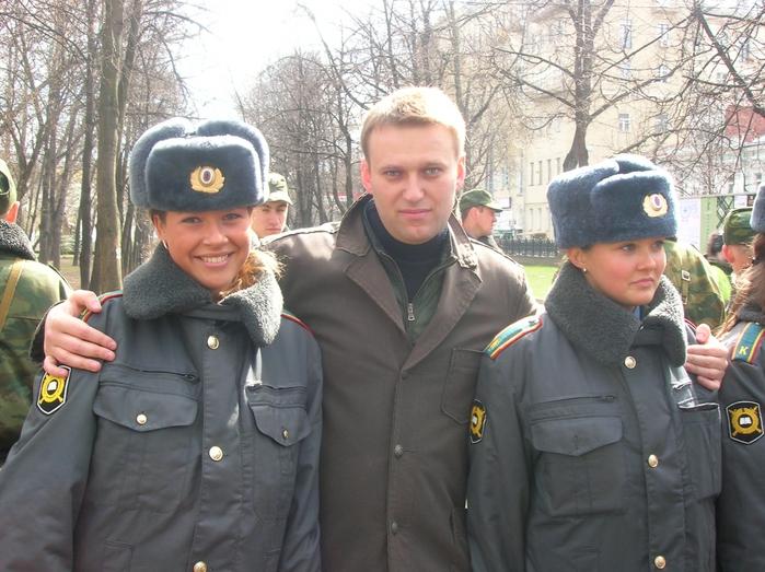 3882246_navalny (700x523, 310Kb)