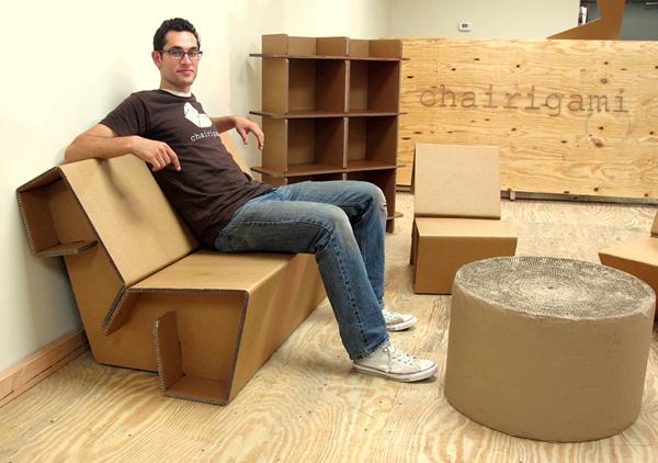 мебель из гофрированного картона Chairigami (600x422, 236Kb)