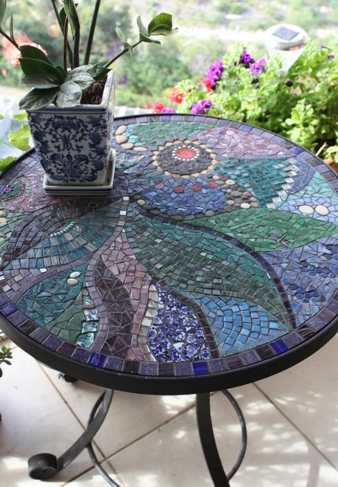 Фото стол из мозаики своими руками