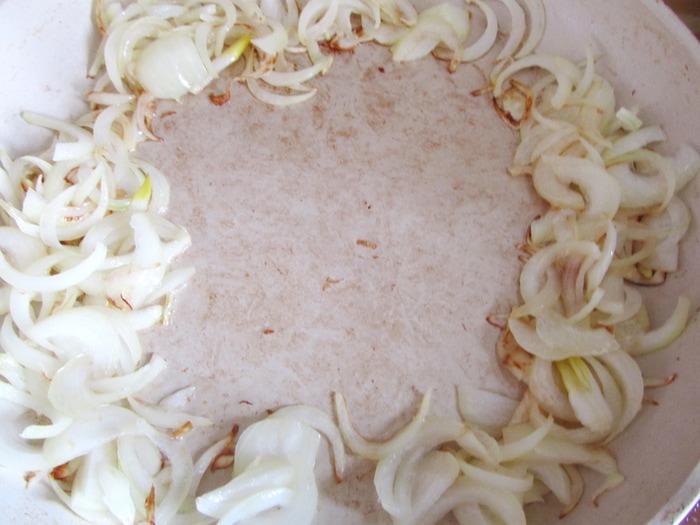 Кальмары с луком и яблоками 5