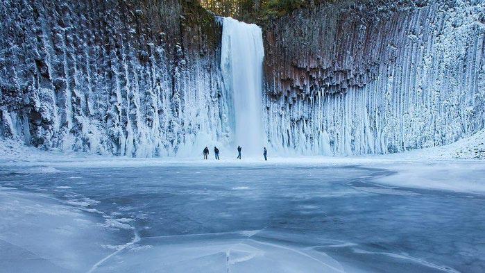 Замерзший водопад Abiqua, штат Орегон, США (700x393, 85Kb)