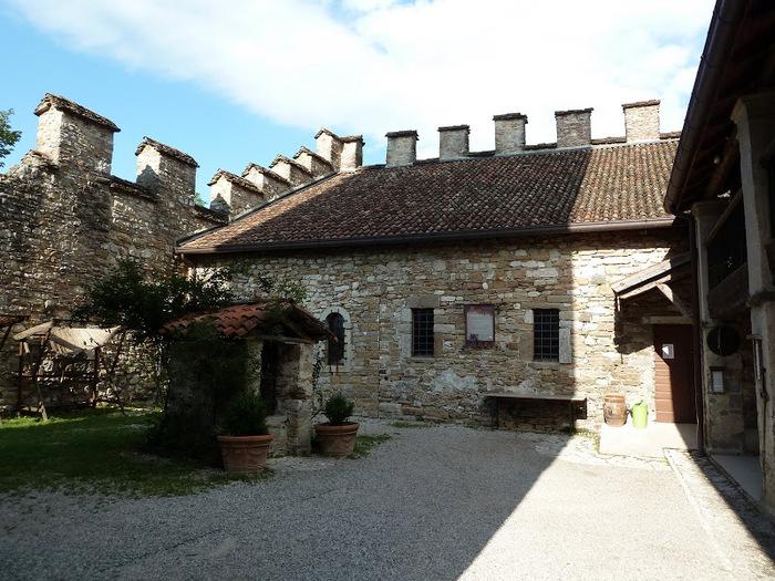 Замок Зумелле - Castello di Zumelle 95401