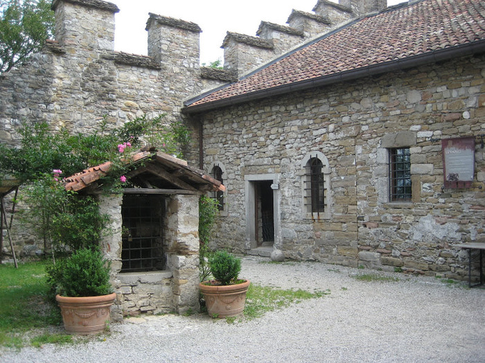Замок Зумелле - Castello di Zumelle 72087