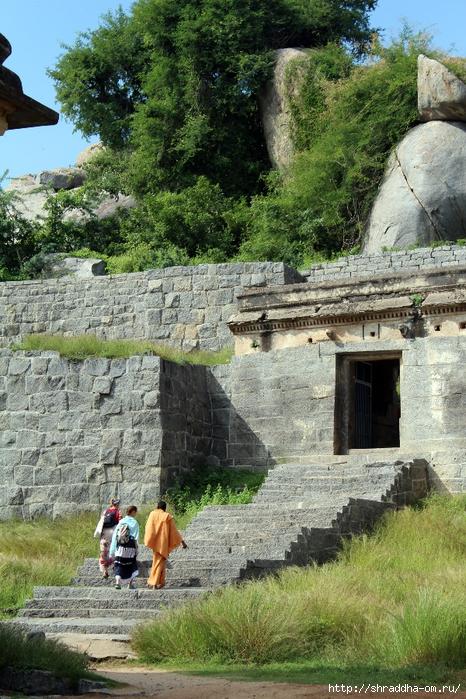 Крепость Джинджи, Индия, 39 (466x700, 383Kb)