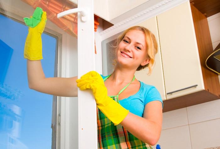 Молодая домработница в семье – это хорошо или плохо?