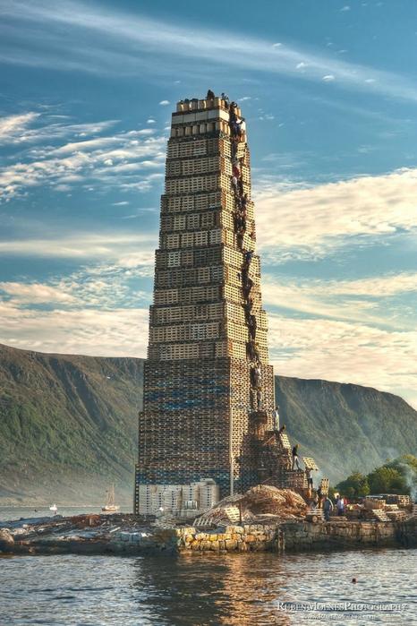 огненная башня Олесунн фото 2 (466x700, 278Kb)