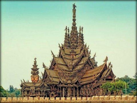 В Таиланде есть храм, который полностью сделан из дерева! (480x360, 41Kb)