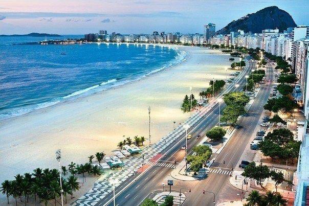 Копакабана - знаменитый четырёхкилометровый пляж в Рио-де-Жанейро, Бразилия (604x403, 67Kb)