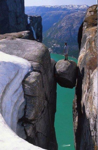 Скала Кьераг, Норвегия (395x604, 52Kb)