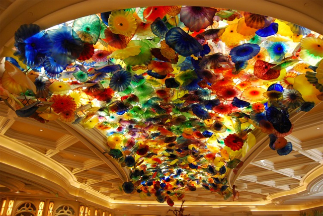 Bellagio-Glass-Art-by-Dale-Chihuly-02 (650x435, 322Kb)
