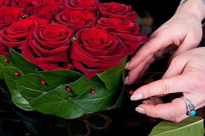 сердце из клубники и роз (6) (700x464, 55Kb)